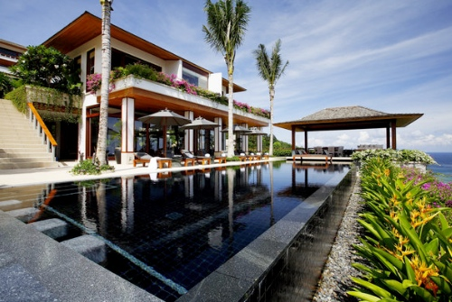 A poolside villa at the Andara Resort & Villas