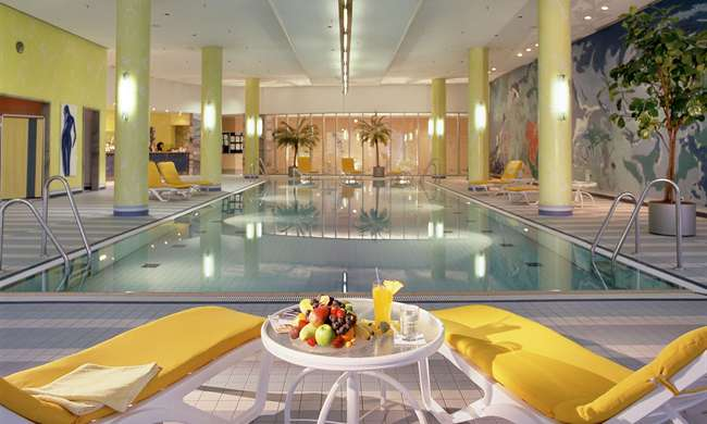 The pool at the Kempinski Hotel Airport Munich