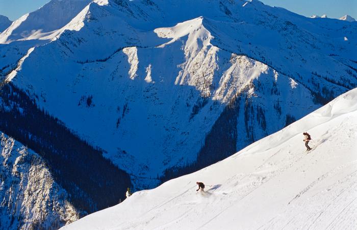 Skiing at Kicking Horse Mountain Resort. Image courtesy Tourism British Columbia.
