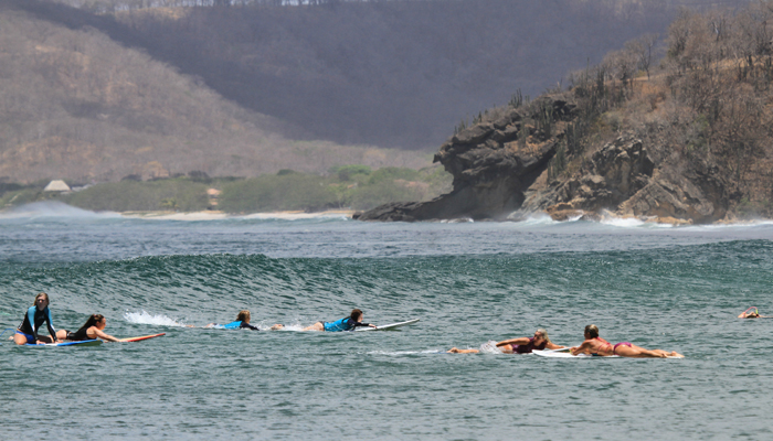 SwellWomen-surfing-group