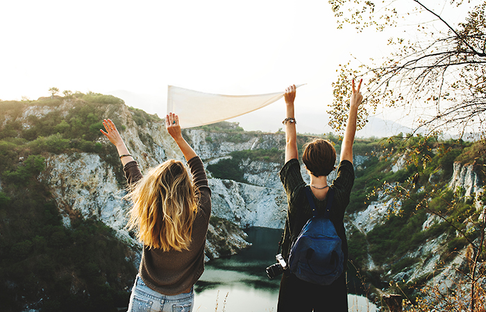 Travel with friends: 8 ways to not ruin your friendship